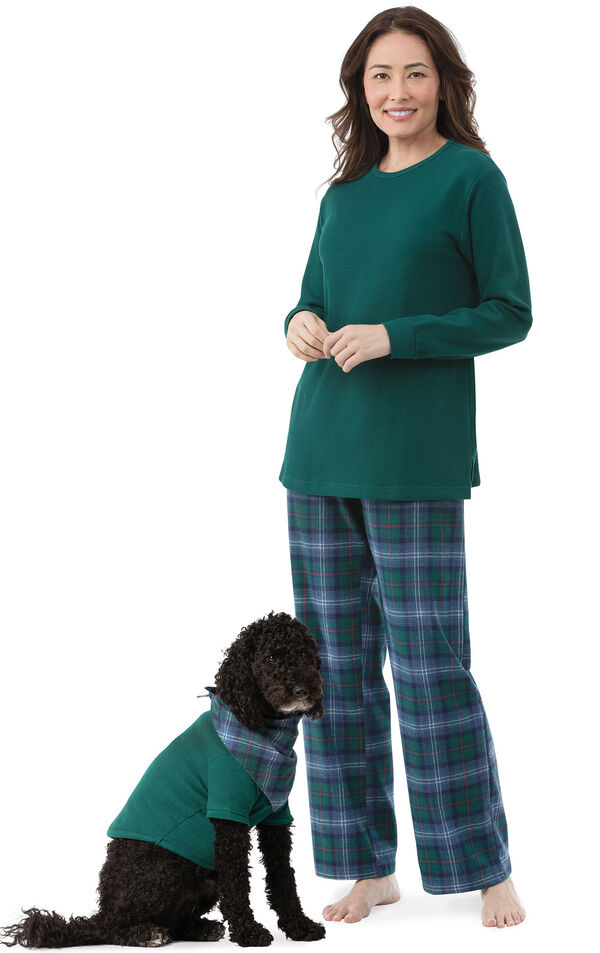 Models wearing Green and Blue Plaid Matching Pajamas for Pet and Owner image number 0