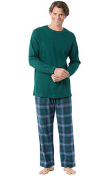 Model wearing Green and Blue Plaid Thermal-Top PJ for Men image number 0