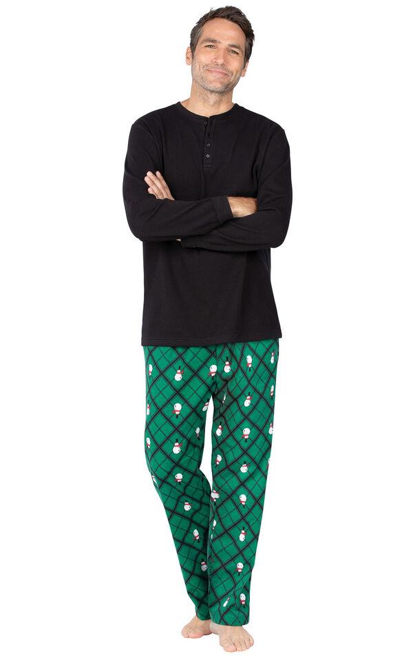 Model wearing Black and Green Snowman Argyle Henley PJ for Men image number 0