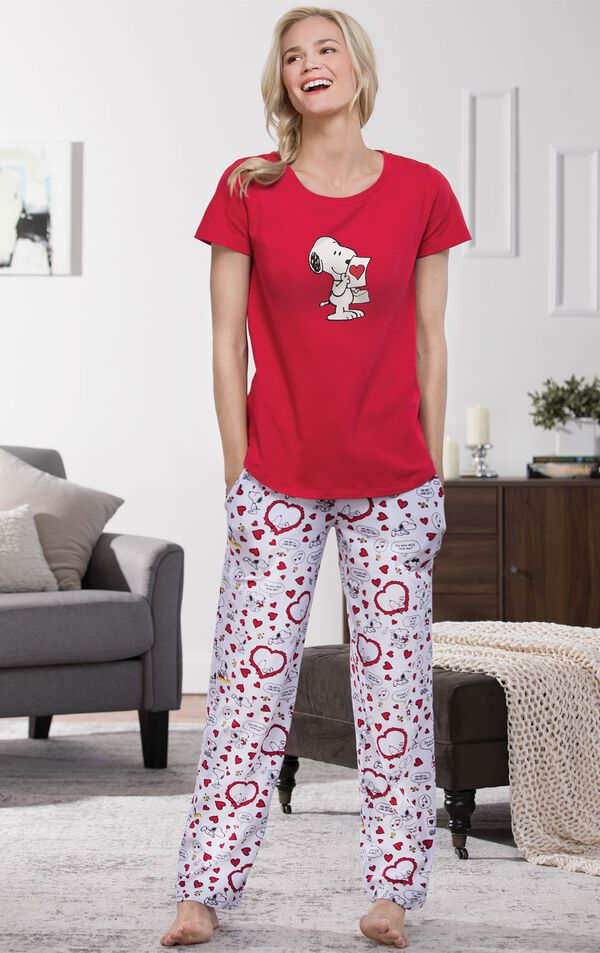 Model standing by couch wearing Red and White Snoopy Heart Print PJ for Women image number 3