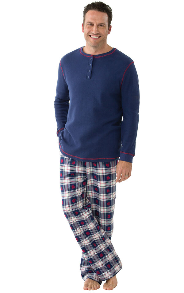 Model wearing Dark Blue Snowflake Plaid Thermal Top PJ for Men image number 0