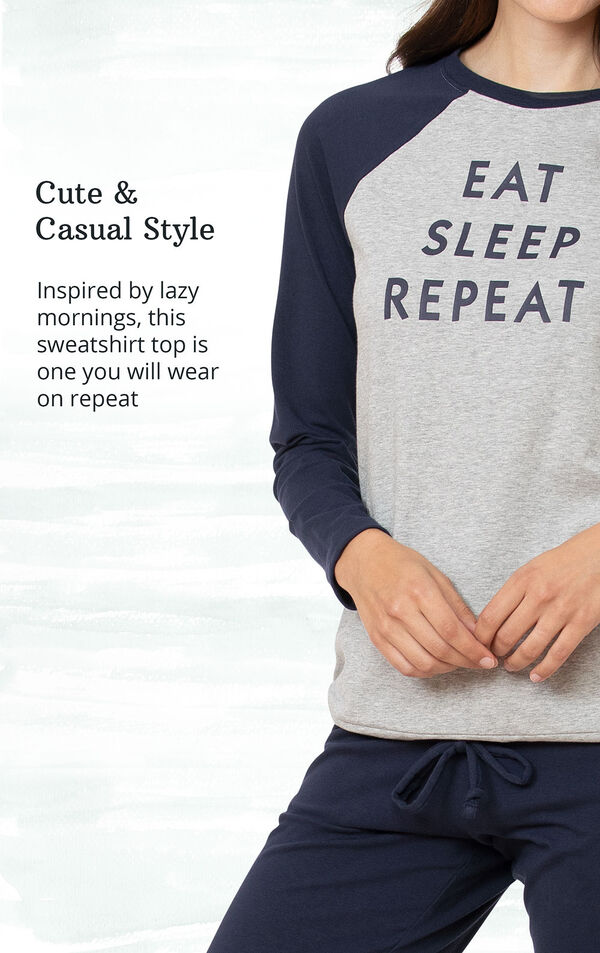 Cozy Comfort and Sporty - Casual 2-piece lounge set has a luxurious touch and classic athletic stripes image number 2