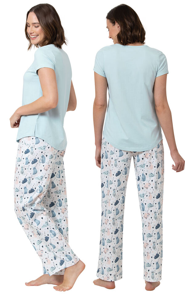 The Purrrfect Mom Women's Pajamas image number 1