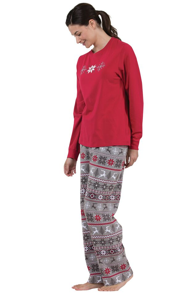 Model wearing Nordic Women's Pajamas, standing to the side image number 2