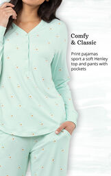 Comfy and Classic - Print pajamas sport a soft Henley top and pants with pockets image number 3