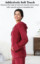 Addictively Soft Touch - premium PJs made of luxe knit chenille micro-velvet offer warmth and an irresistable feel image number 3