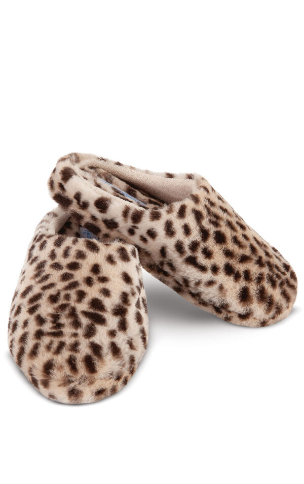 Model wearing Fuzzy Wuzzies Slipper - Leopard Print image number 0