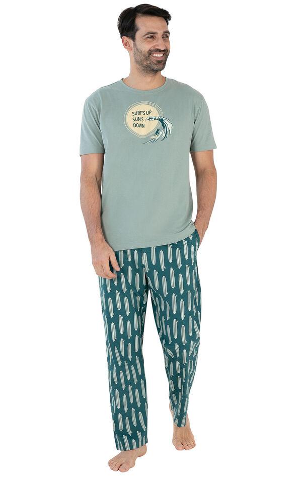 Model wearing Teal Surfboard Print Margaritaville PJ with Graphic Tee for Men image number 0