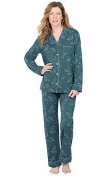 Model wearing Dark Green Floral Print Button-Front PJ for Women image number 0