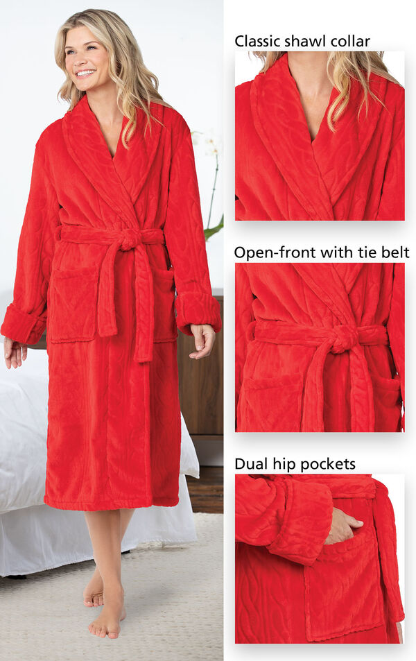Close-ups of Red Cable Embossed Marshmallow Fleece Robe's classic shawl collar, open-front with tie belt and dual hip pockets image number 3