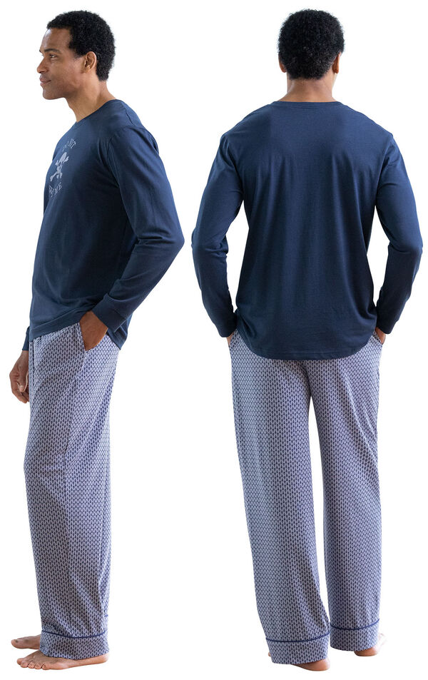 Model wearing Blue Skull Print PJ with Graphic Tee for Men, facing away from the camera and then facing towards the side image number 1