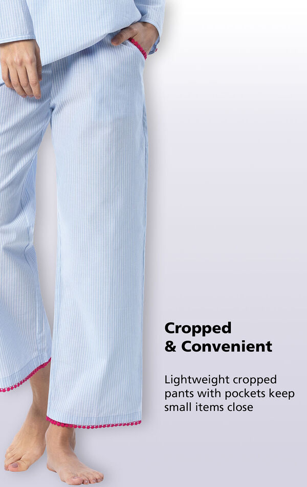 Close-up of the cropped and convenient lightweight cropped pants with pockets that keep small items close image number 3