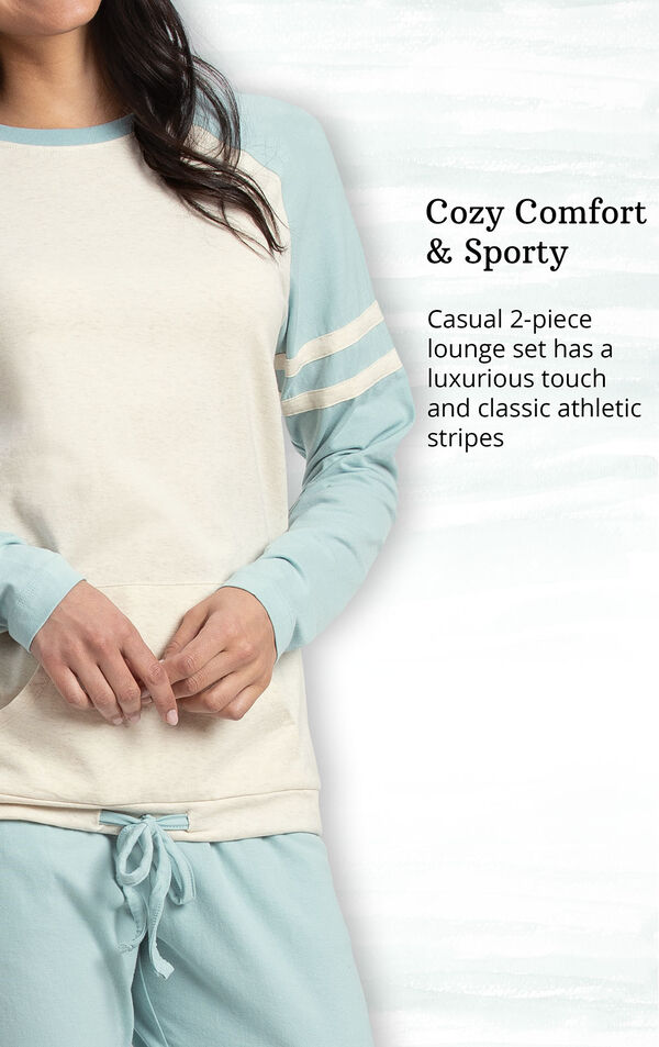 Cozy Comfort and Sporty - Casual 2-piece lounge set has a luxurious touch and classic athletic stripes image number 3